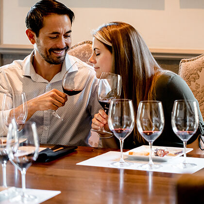 Beringer Wine Club Members Enjoying Seated Tasting